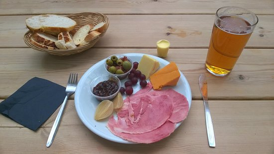 Bolton, UK: Ploughman's Lunch. (see prev. review Ploughman's Feast)