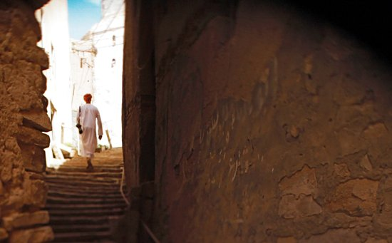 Oman: Misfat-walking the alley ways
