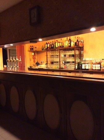 La Roche-Posay, Fransa: bar