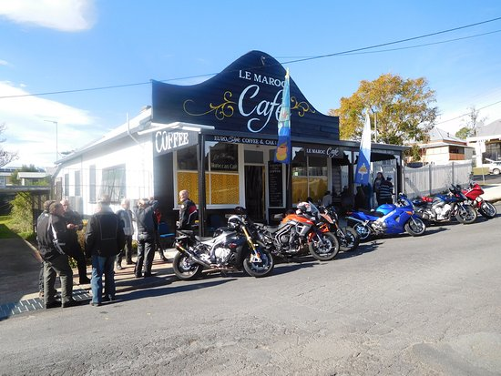 Bowraville, Australia: On one of our group rides , we make sure we always drop in for a coffee & a treat
