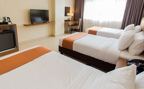 Clark Freeport Zone, Filipina: Spacious Room