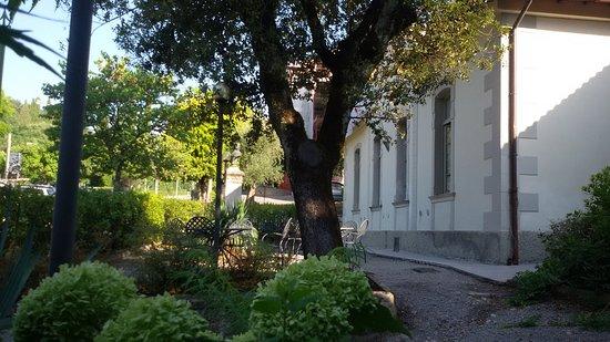 Ostello la Cocciara: Il giardino.