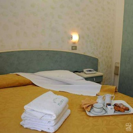 Hotel Flora Igea Marina Prezzi