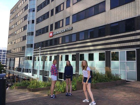 MEININGER Hotel Amsterdam City West: Wonderful Hostel, excellent services , very helpful!