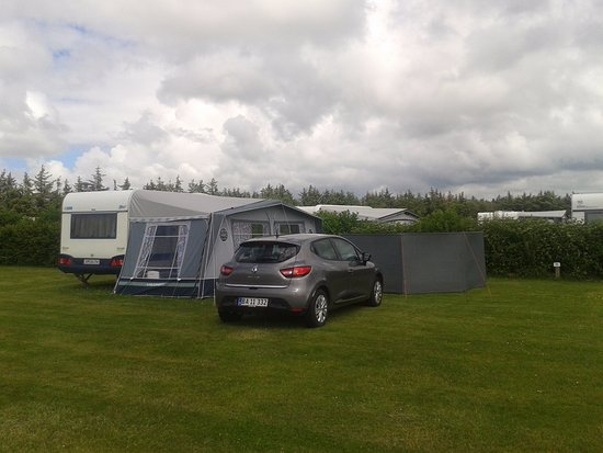 Henne, Danmark: God størrelse på campingpladser