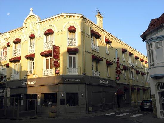 호텔 레 카노