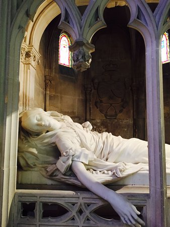 Dreux, France : Tomb sculpture