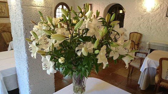 Ses Rotges: Tolles Ambiente, immer frische Blumen
