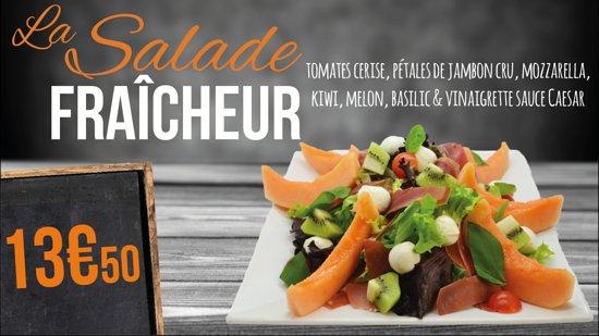 Noyon, Frankrike: La salade fraîcheur