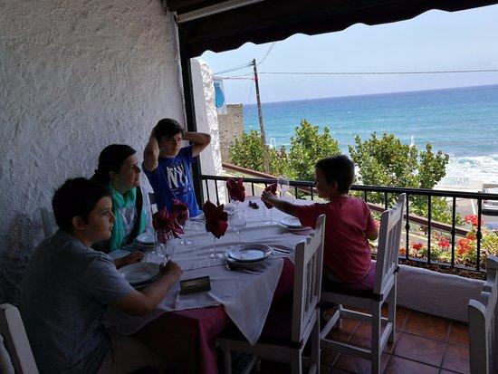 San Juan de la Rambla, Ισπανία: Comiendo con la brisa marina y una vista estupenda.