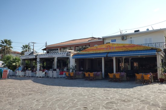 Skala Kallonis, Grekland: Bars Kalloni square
