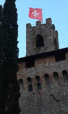 Magione, إيطاليا: lato castello di magione