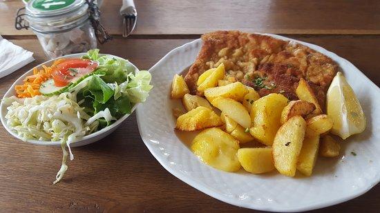 Bad Goisern, Austria: wiener schnitzel