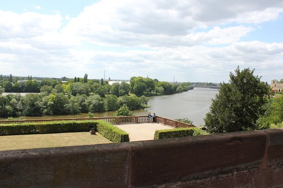 Aschaffenburg, Almanya: A view over the river Main from the palace