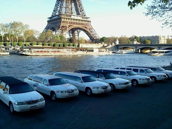 Le Thillay, ฝรั่งเศส: Location de limousine Paris