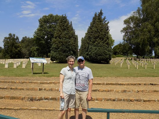 Sedan, Francia: Canadian visitors in French miliatry cemetery