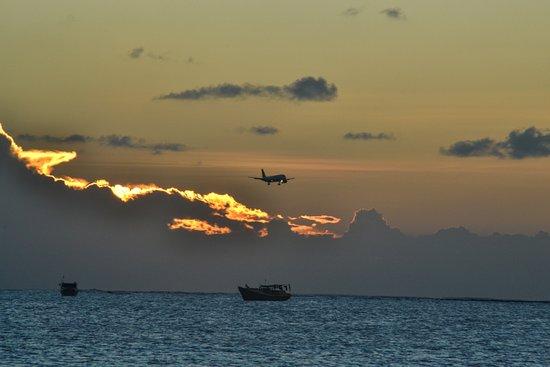 Jimbaran, Indonesien: plane landing every 5 mins
