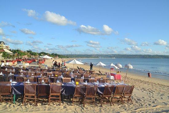 Jimbaran, Indonesien: restaurants along the beach