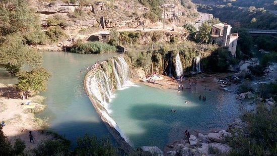 Sabayes, Испания: Vista panorámica de la presa.