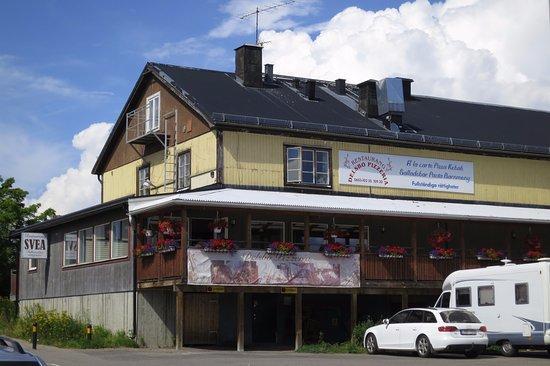 File:Bröllop. Brudpar från Delsbo, Hälsingland - Nordiska Museet - NMA.0029095.jpg