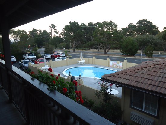 Super 8 Monterey/Carmel: room view