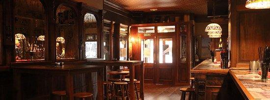 Black & White Pub Irlandés