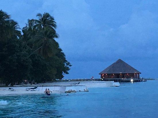 Vilamendhoo Island Resort & Spa: photo0.jpg