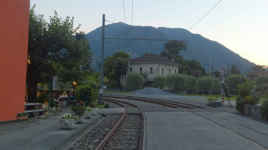 Tegna, Zwitserland: Just next to the old railway