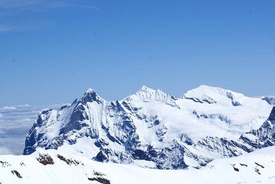 Hotel Falken Wengen: Just a view from the Jungfrau