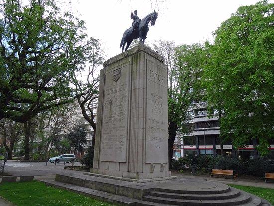 Monument au Marechal Foch