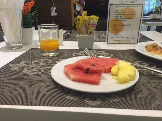 Phachara Suites: free buffet breakfast