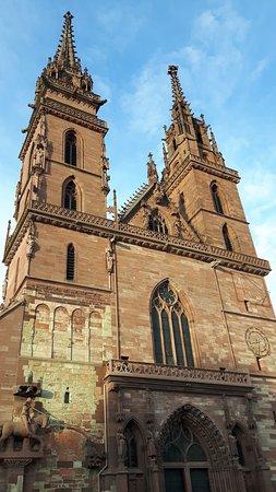 Basler Münster: Cattedrale di Basilea