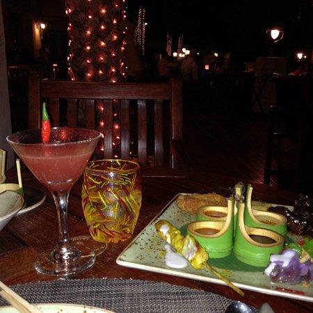 Pai Thai signature cocktail and sample starter platter