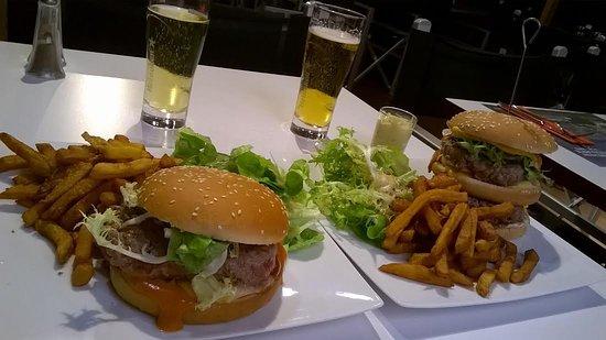 Saint-Lo, France : burger classique & XXL, maison