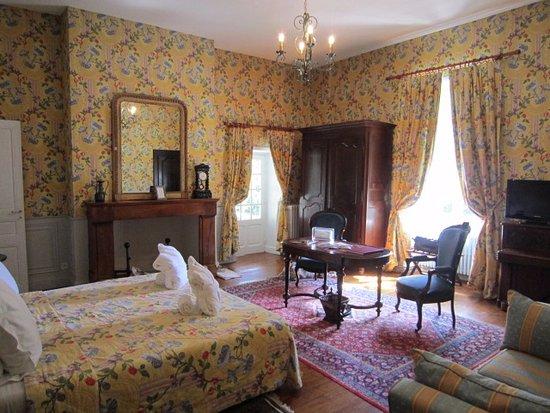 Coly, Prancis: Liseron Room with balcony.