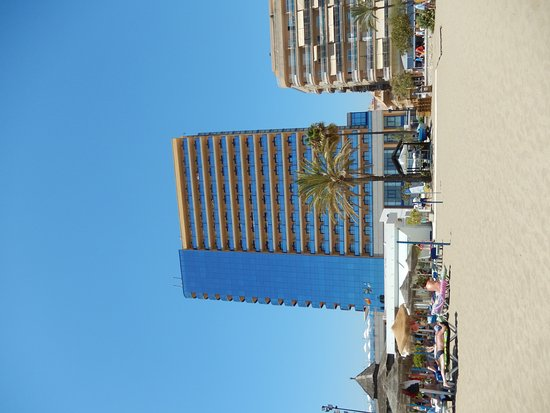 Yaramar Hotel: Hotel from the beach