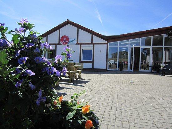 Hollern, Germany: Café & Restaunt im Ferienorf Altes Land