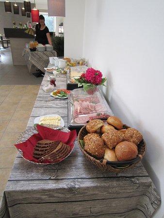 Hollern, Germany: Frühstücksbuffett