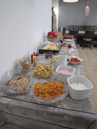 Hollern, Germania: Frühstücksbuffet
