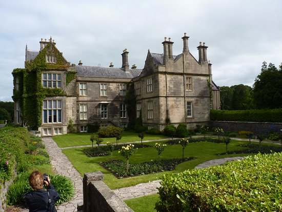 Muckross House, Gardens & Traditional Farms