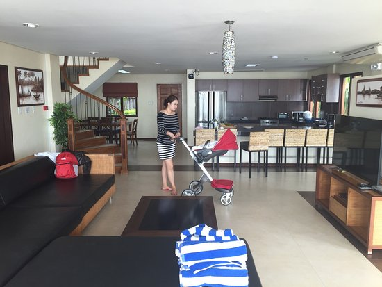 Kahuna Beach Resort and Spa: 행복한가족들과 이웃집식구들과의 여행
