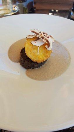 Hostellerie De Plaisance Restaurant : Bio crunchy egg and mushrooms starter...beautiful