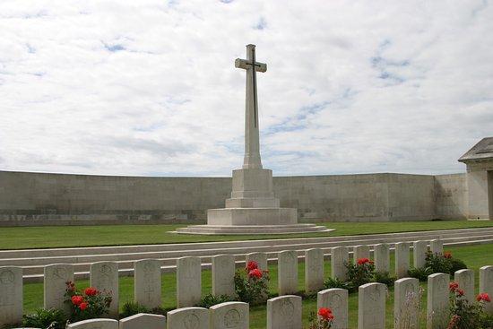 Pas-de-Calais, Francia: Cross of Sacrifice Serre Road N°.2