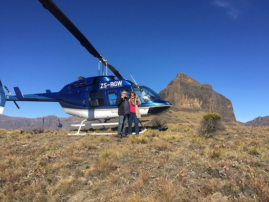 uKhahlamba-Drakensberg Park, Sudáfrica: Champagne with Westline Helicopters in the Drakensberg