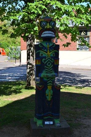 Σαρλόταουν, Καναδάς: A piece of Charlottetown's street art. This piece is in the Peake's Wharf district.