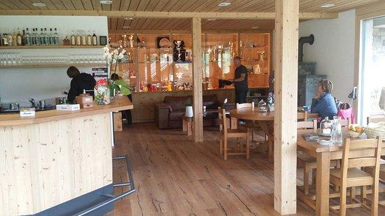 Ernen, Switzerland: B & B Café Hängebrigga