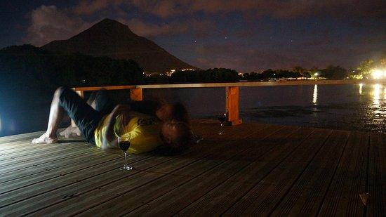 Тамарин: Romantic River House deck under the stars