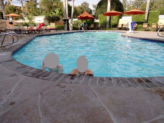 Goleta, Kalifornien: Très belle piscine