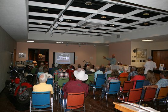 Snyder, TX: A shot of the crowd at our presenter series.