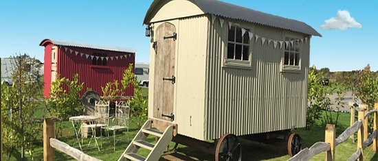 West Wittering, UK: Our beautiful vintage shepherds huts